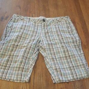 Plaid Bermuda shorts